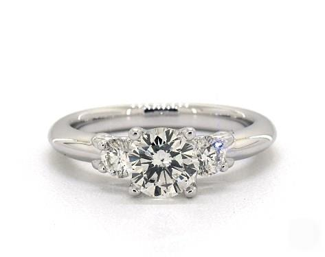 Superb Quality Oval Shape 14KT White Gold 2.70 Carat Solitaire Engagement Ring