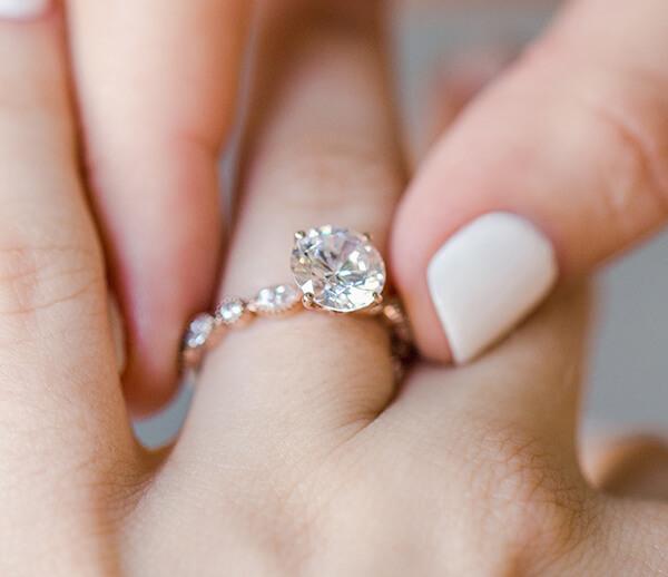 Learn more Lab-Created Diamonds | JamesAllen.com