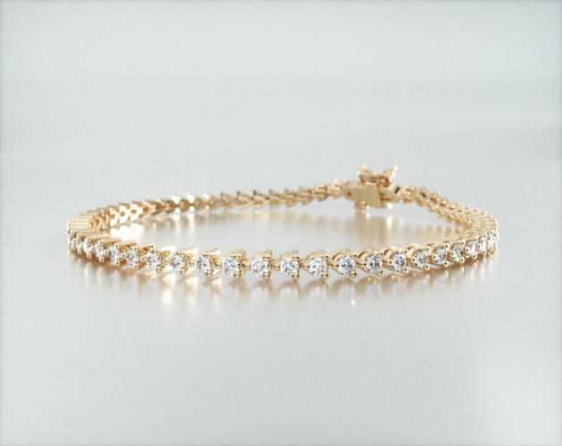 14K Yellow Gold Three Prong Flower Clasp Diamond Tennis Bracelet (2 CTW)