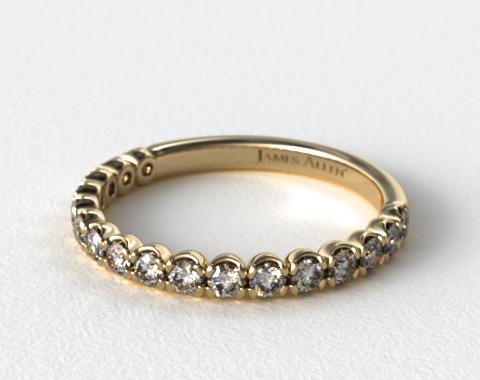 18K Yellow Gold Scallop Style Diamond Wedding Ring
