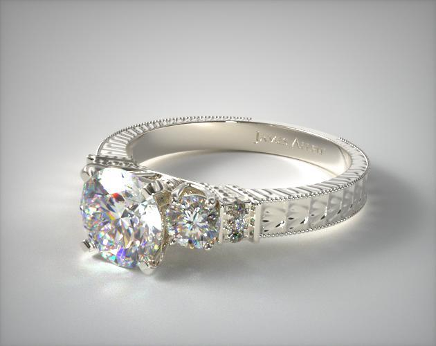 18K White Gold Royal Antique Style Round Shaped Diamond Engagement Ring