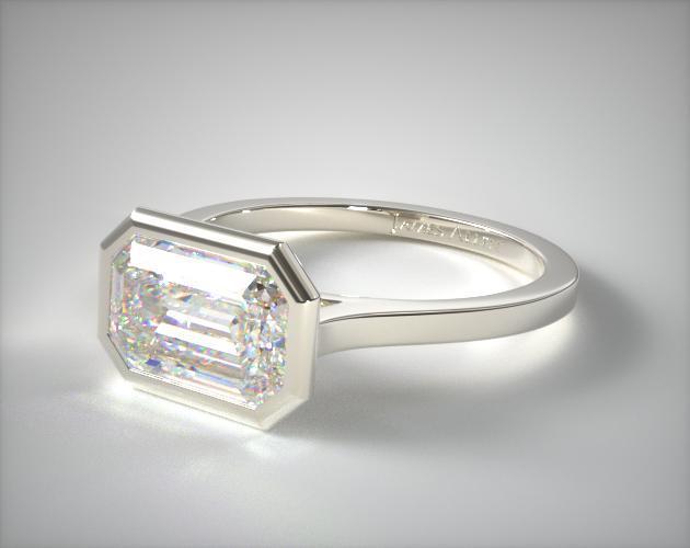 18K White Gold Bezel Solitaire Engagement Ring (Emerald Center)