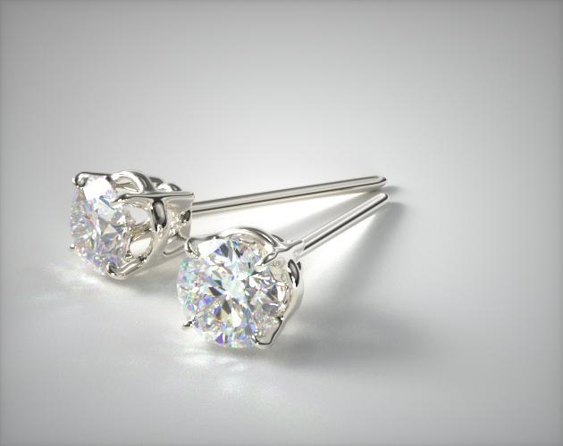 18K White Gold Four Prong Round Brilliant Diamond Earrings (0.25 CTW.)