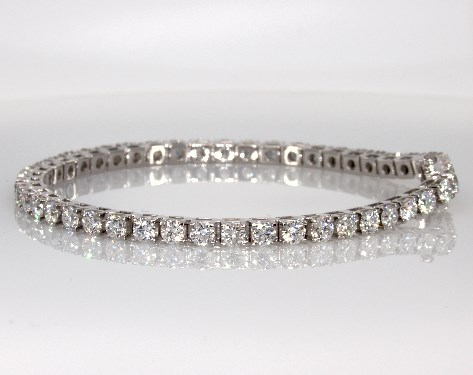18K White Gold Diamond Tennis Bracelet (7 CTW.)