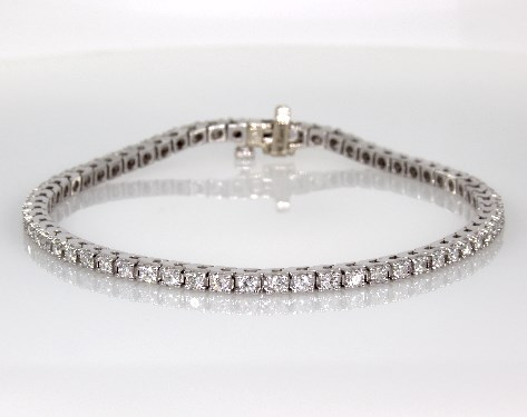 14K White Gold Diamond Tennis Bracelet ( 2 CTW.)