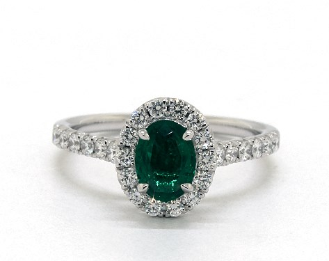 18K White Gold Oval Halo Emerald and Diamond Ring (7.0x5.0mm)