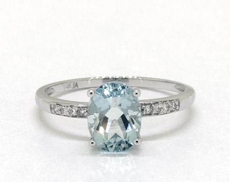 14K White Gold Aquamarine and Diamond Pave Birthstone Ring (8.0x6.0mm)