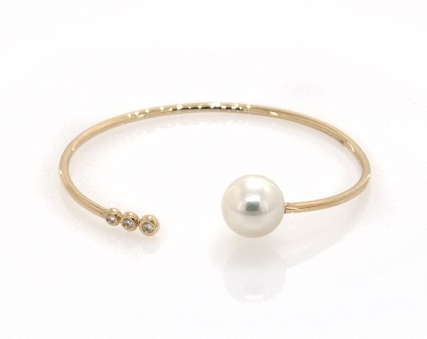 18K Yellow Gold South Sea Cultured Pearl and Bezel Set Diamond Trio Bangle Bracelet (11.0-12.0mm)